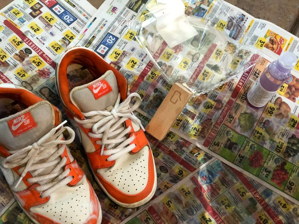 ジェイソンマークで靴を洗っている様子