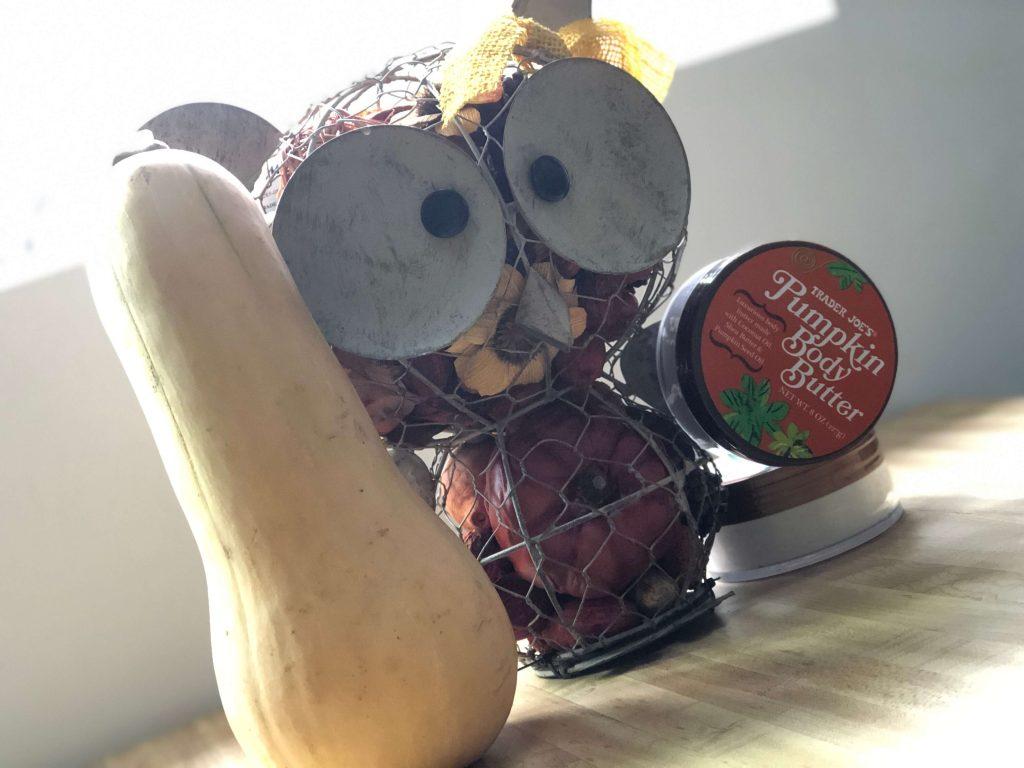 バターナッツスクワッシュとパンプキンボディクリームを装備したフクロウの妖精