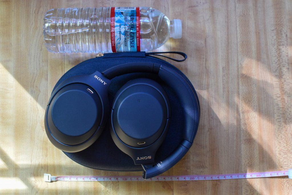 ソニーヘッドホン(WH-1000XM4 )ミッドナイトブルー本体&キャリーケースのサイズ