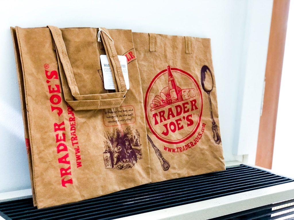 トレジョ(トレーダージョーズ)の繰り返し使える紙エコバッグ