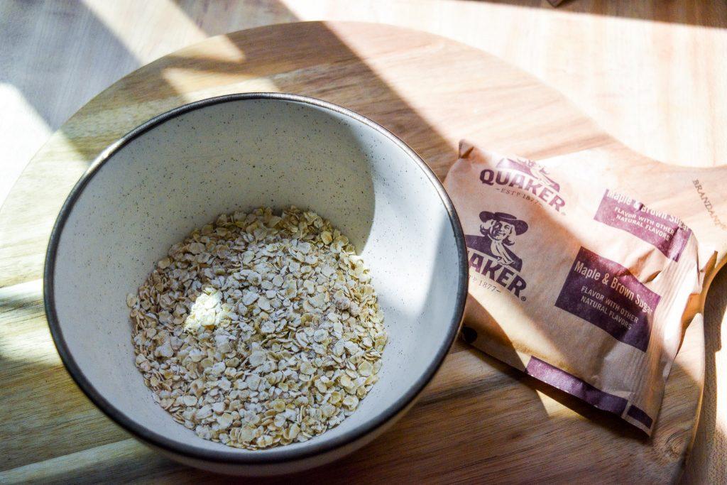 Quaker (クエーカー)インスタントオートミールのメープルブラウンシュガー味