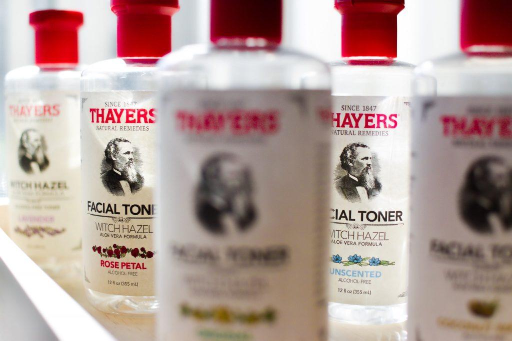 セイヤーズ化粧水アルコールフリーボトル5種類(ローズペタルパッケージにピント)