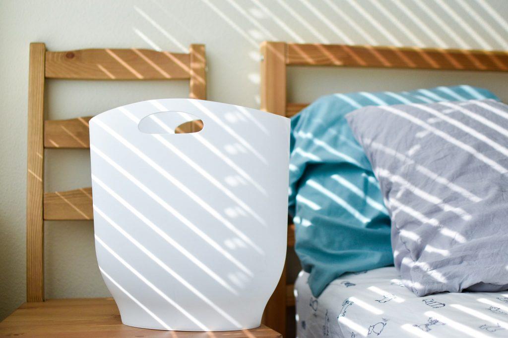 アンブラ(umbra)のハーロゴミ箱(白)