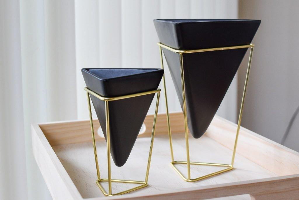 アンブラ(umbra)トリグシリーズの卓上花瓶 or 小物入れ(黒)