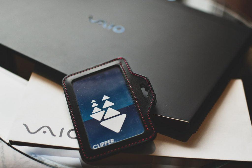 VAIO Z(2021年モデル)と「わたしとVAIO」キャンペーン当選品のレザーパスケース
