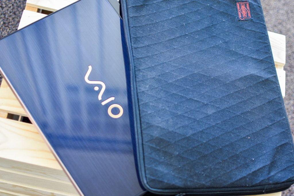 VAIO SX14 勝色モデルと吉田カバン(ポーター)コラボPCケース