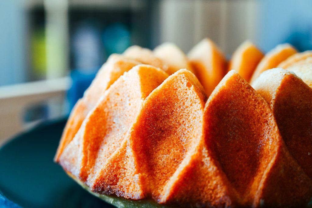 ノルディックウェア(Nordic Ware)のクラウンバントケーキ型で作ったウィークエンドシトロン(レモンパウンドケーキ)