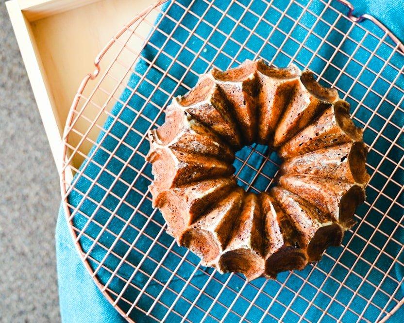 ノルディックウェア(nordicware)のクラウンバントケーキ型で作ったココアマーブルパウンドケーキ